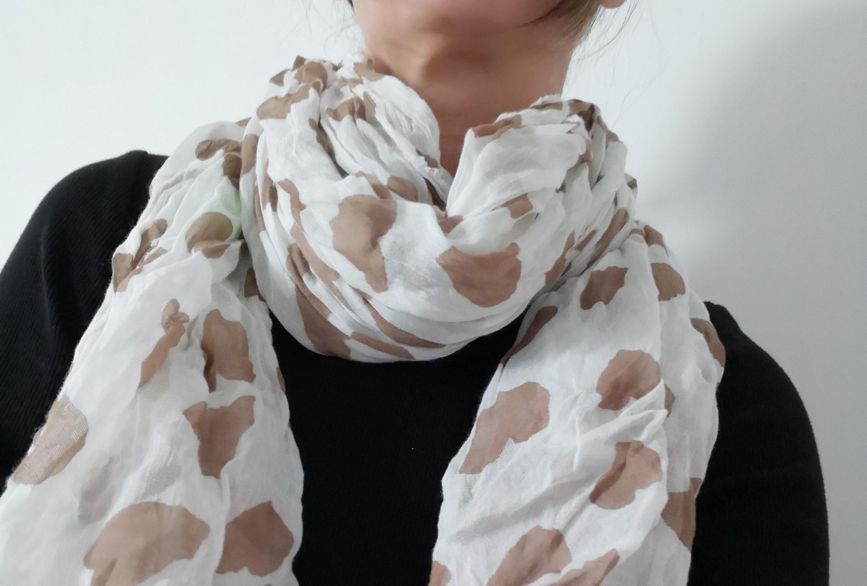 Tuch Halstuch Schal